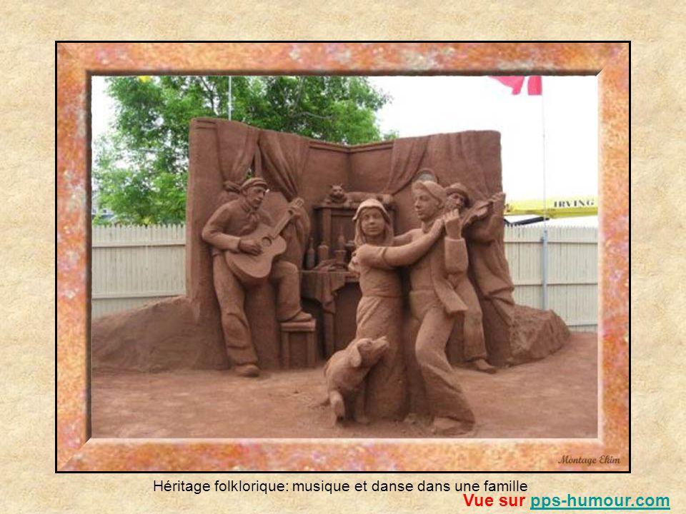 À chaque année la petite ville de Charlottetown, capitale provinciale de ÎPE, présente son exposition de sculptures de sables (SandLand) de juin à sep