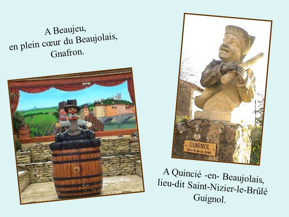 Le « bistanclaque* » du métier Jacquard rythmait la vie des canuts.