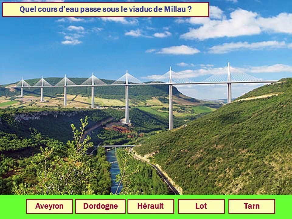 En quelle année a été achevé le viaduc de Millau ? 200420012006200520032002
