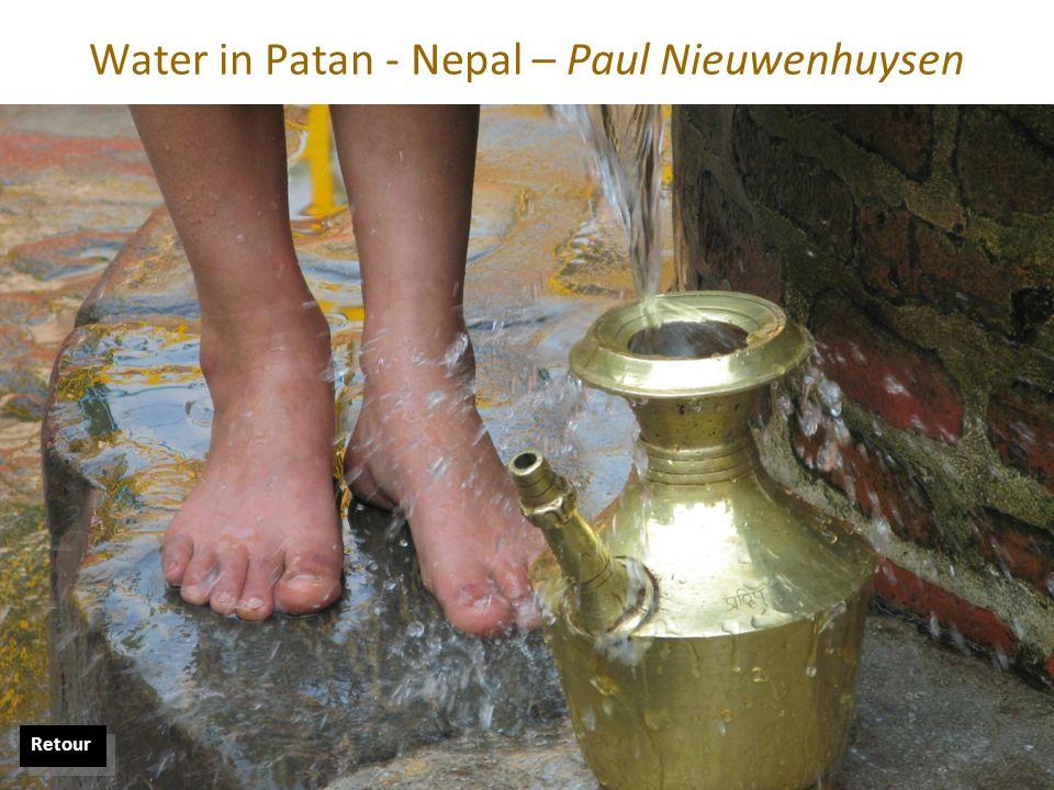 Water in Patan - Nepal – Paul Nieuwenhuysen Retour