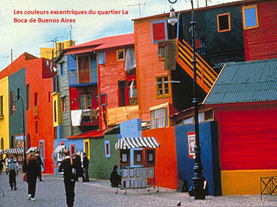Les couleurs excentriques du quartier La Boca de Buenos Aires
