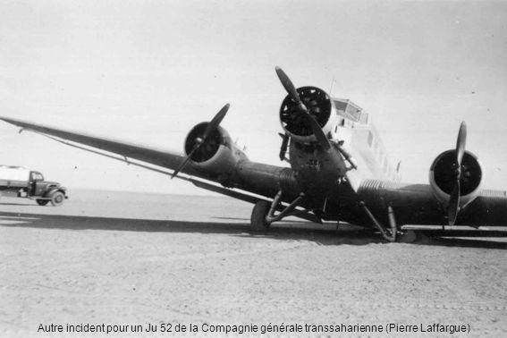 En 1948, devant un Ju 52, léquipage en chemises : Vigneron, Louis Demouveaux (chef-pilote) et Arbona (Pierre Laffargue)