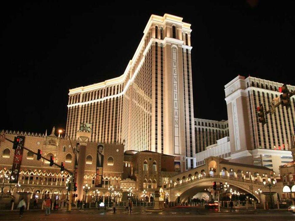HOTEL VENETIAN L'Hôtel de Venise, l'hôtel est à cinq diamants cest le plus grand des États-Unis. Le thème de cet hôtel-casino est Venise. Il a 4049 ch