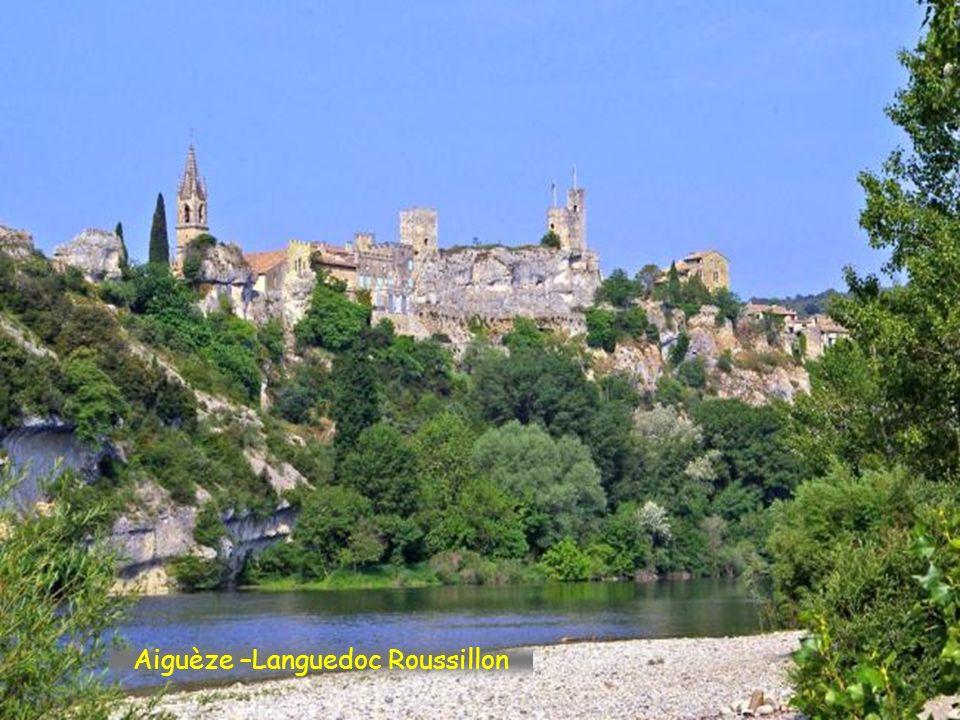 Aiguèze –Languedoc Roussillon