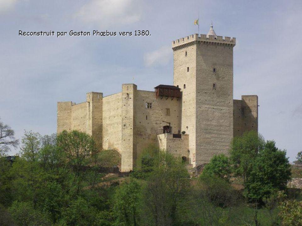 Bâti au XIe siècle par les Comtes de Bigorre. Bâti au XIe siècle par les Comtes de Bigorre.
