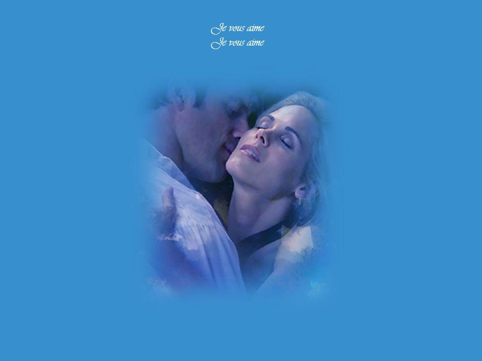 Aux quatre coins du lit semés Pour vos yeux de vague mourante Et ce désir qui s'impatiente Aux pointes de vos seins levés