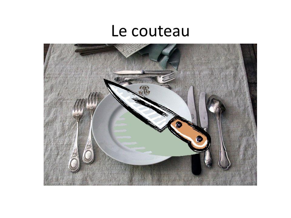A table Pour couper la viande, il y a……