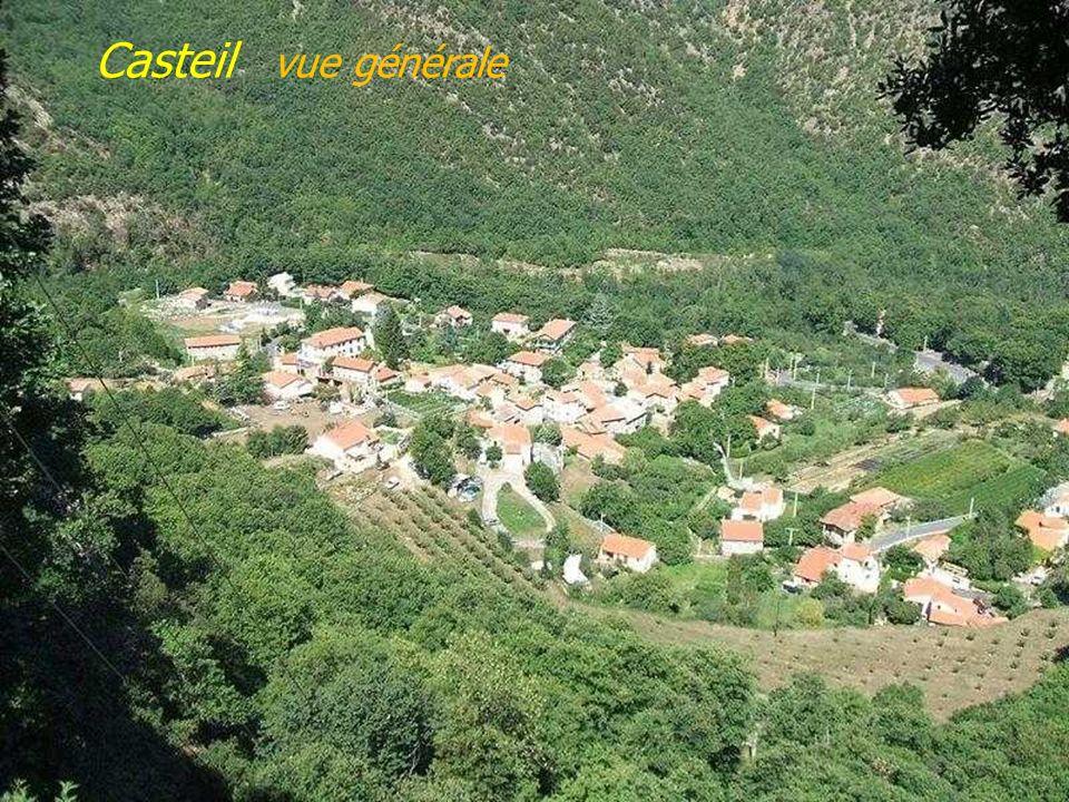 Fenouillet le Castel Sabarda Canohès le lavoir 1894 Castelnou le village, le château fin du Xe siècle