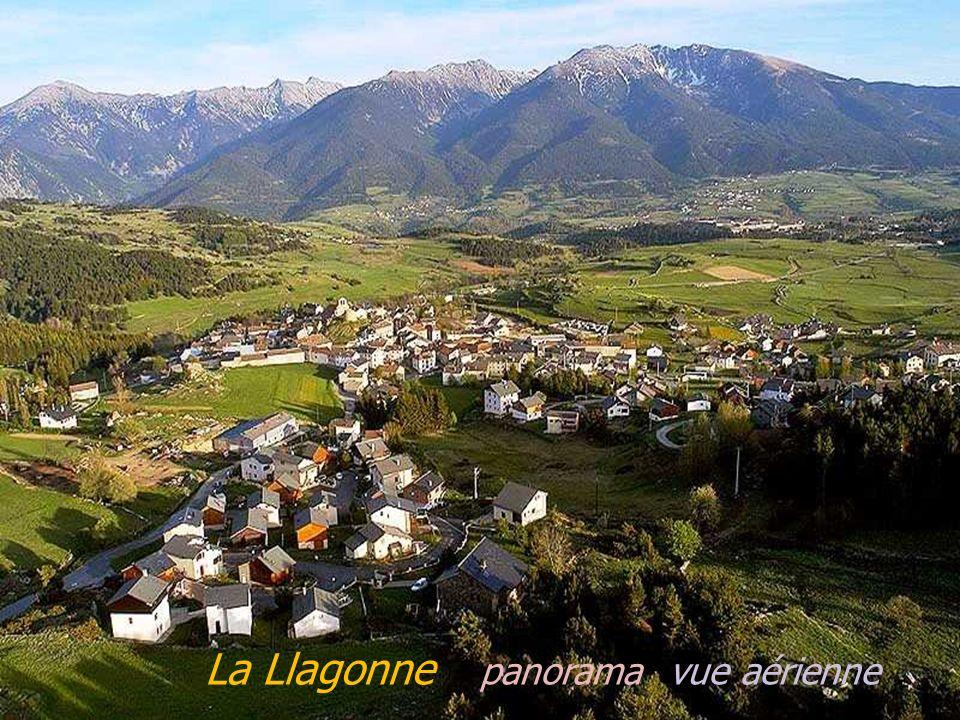 Vernet-les-Bains panorama Vernet-les-Bains le village, léglise