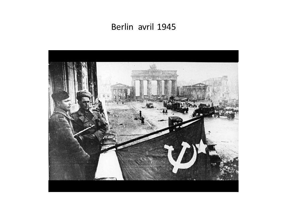 Des funérailles à Berlin Est le 31 mai 1963.
