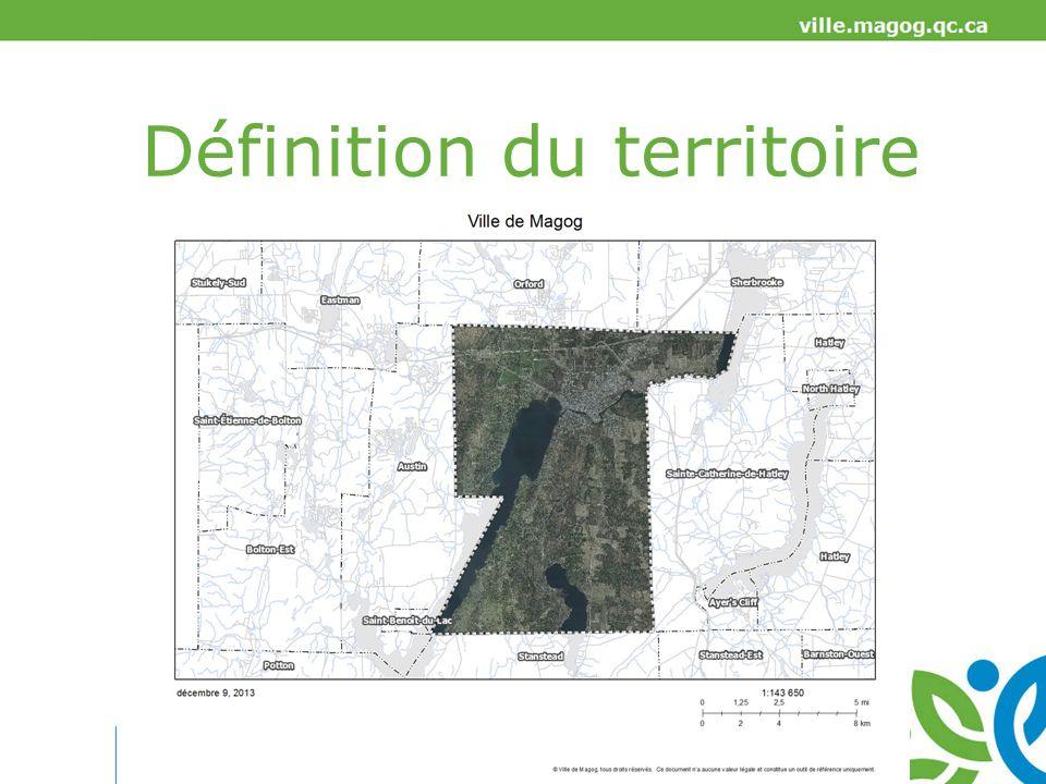 Portrait de Magog Superficie du territoire: 144,19 km² Population en 2014: 26 805 habitants Croissance de la population: 1996 – 2001 (5 ans): 5,6 % 2001 – 2006 (5 ans): 5,7 % 2006 – 2011 (5 ans): 7,6 % 2011 – 2014 (3 ans): 5,4 % Taux de chômage (2011): 6,9 % Revenu moyen (2011): 33 028 $ Source: Statistiques Canada