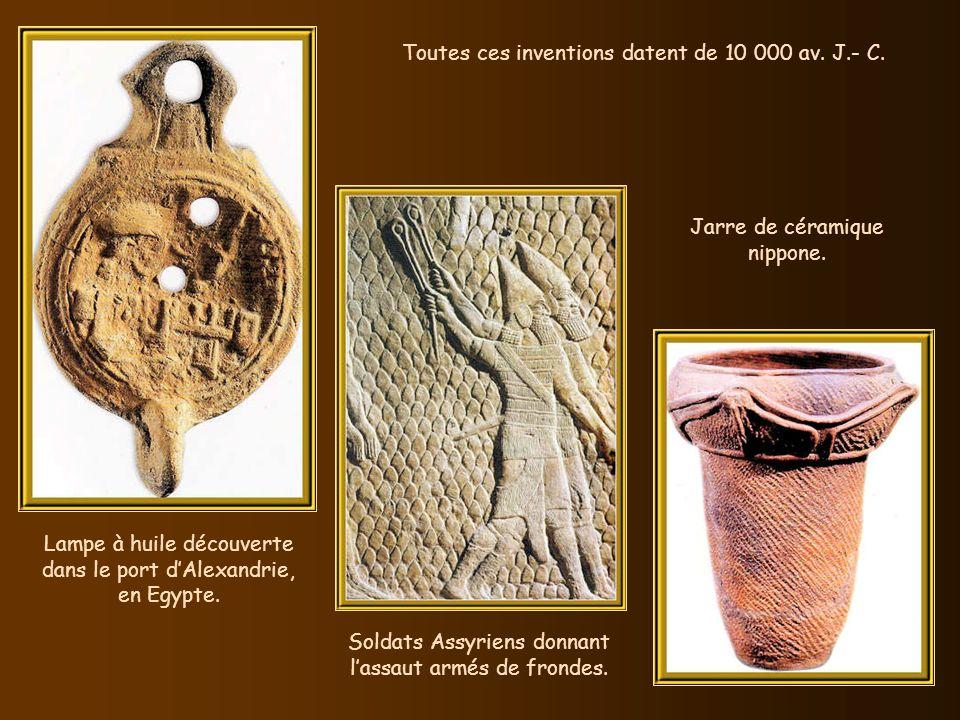 Vers 20 000 av. J.- C., les cibles lointaines deviennent vulnérables grâce à larc et à la flèche.