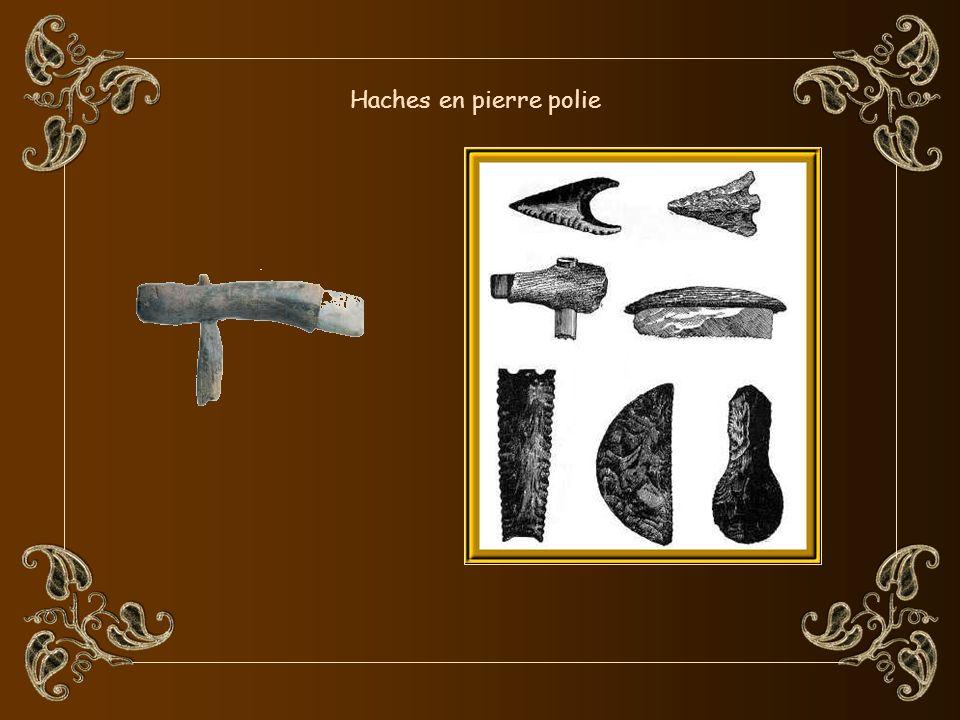 Cest au Néolithique que le travail du bois se raffina et devint la menuiserie.