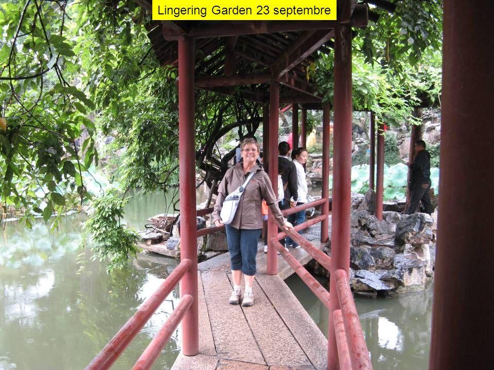 Lingering Garden 23 septembre
