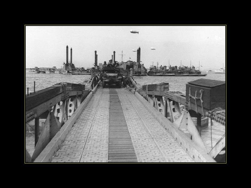 La meilleure performance du port se situe dans la dernière semaine de juillet 1944, au cours des 7 jours le trafic à Arromanches dépasse 130000 tonnes soit 20000 tonnes par jour