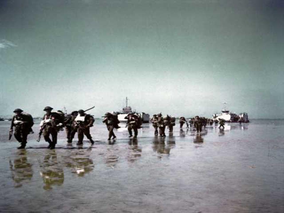 Gold Beach est le nom de code donné au secteur dévolu au XXXe corps britannique. A l'est d'Arromanches, les falaises laissent place à une côte basse e