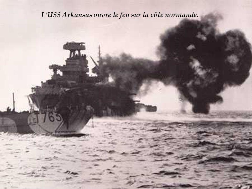 Larmada alliée qui traverse la Manche dans la nuit du 5 au 6 juin ne compte pas moins de 4 300 navires de toutes tailles (sans compter les 2 600 barges, embarquées à bord des gros transports, qui seront mises à flot à proximité du rivage).