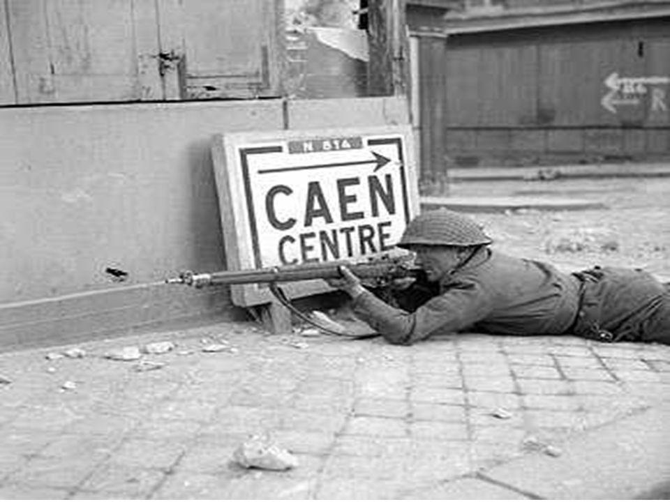 Près de 20 000 morts parmi la population civile. Caen, Lisieux, Coutances, Saint-Lô, Vire et bien d'autres villes anéanties; de paisibles villages ras