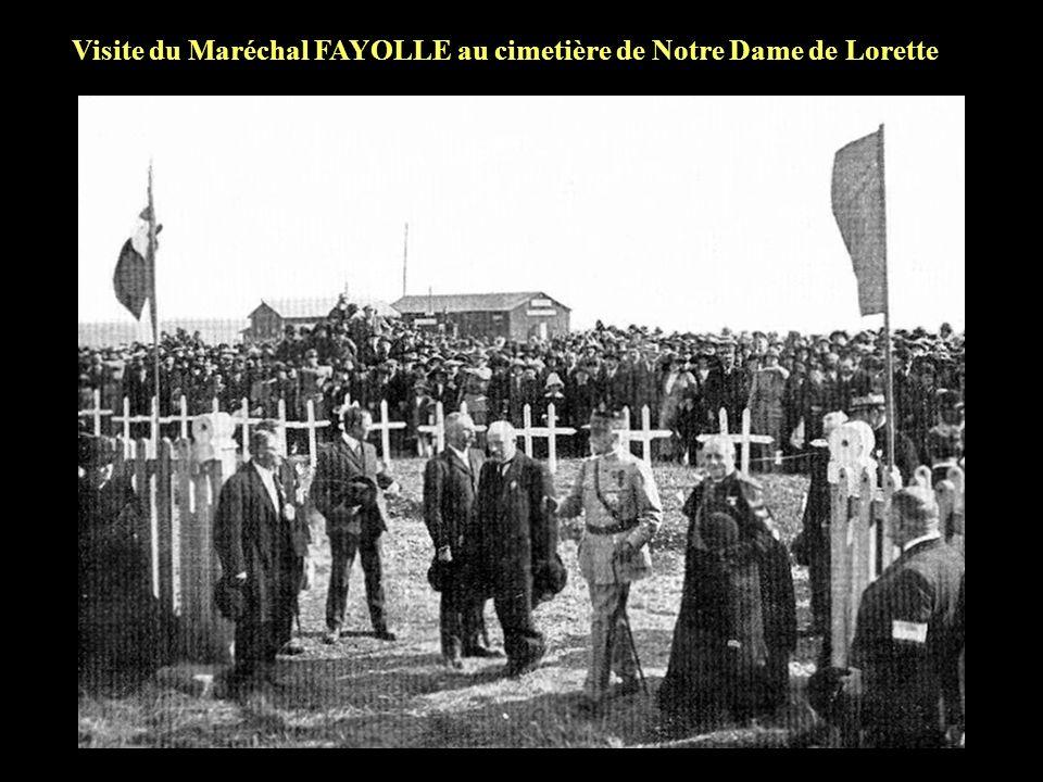 Le Roi dAngleterre Georges V passe en revue la compagnie du 33 e R.I. 12 mai 1922