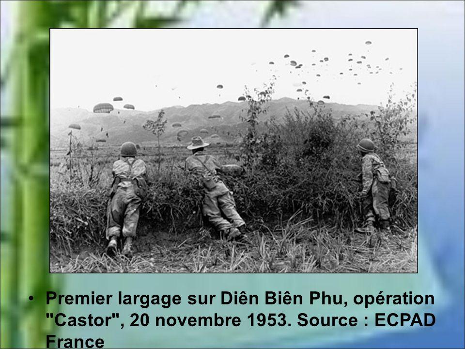 Les Français transforment progressivement la cuvette en véritable camp retranché : - la zone est protégée par plusieurs rangées de fils de fer barbelé