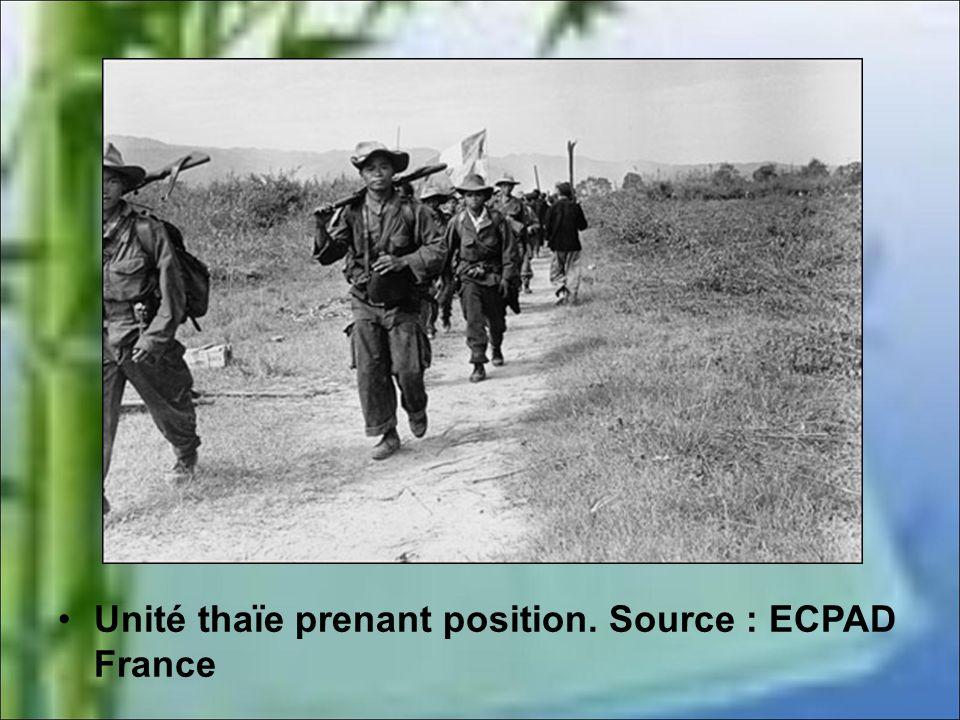 Après de nombreux accrochages la bataille s'engage véritablement à la mi-mars 1954. À cette date commandée par le colonel de Castries, la garnison fra