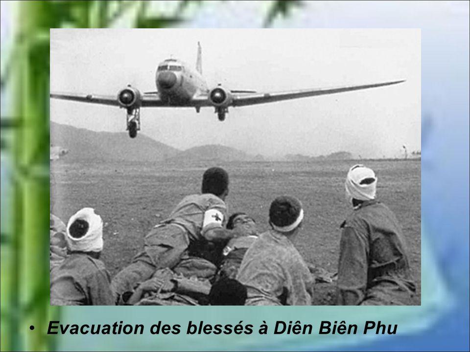 Le 6 mars 2 compagnies Thaï évacuent une partie d'Anne-Marie. La piste aviation est désormais directement sous le feu des armes automatiques ennemies.