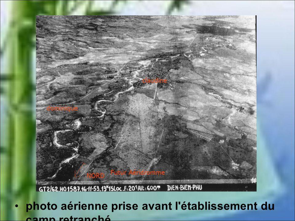 Camp de Dien Bien Phu, parachutistes français dans une tranchée. Source : ECPAD France