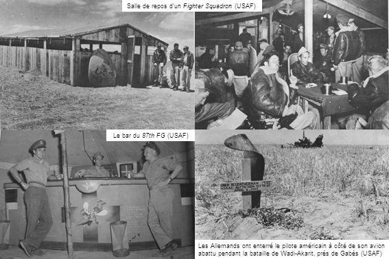 Les Allemands ont enterré le pilote américain à côté de son avion abattu pendant la bataille de Wadi-Akarit, près de Gabès (USAF) Salle de repos dun F