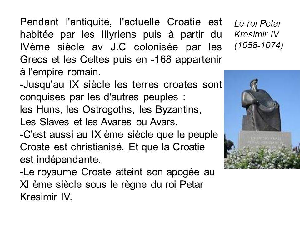 Pendant l'antiquité, l'actuelle Croatie est habitée par les Illyriens puis à partir du IVème siècle av J.C colonisée par les Grecs et les Celtes puis