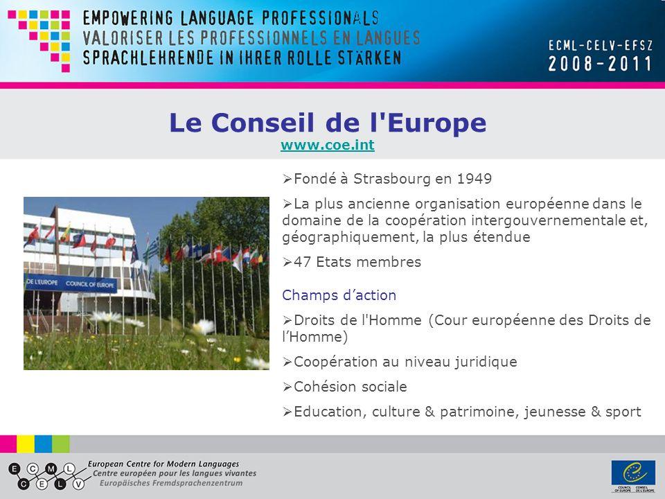 Projets du programme du CELV LEVALUATION LEVALUATION Pilotage du Portfolio européen pour les enseignants en langues en formation initiale http://epostl2.ecml.at Encourager la culture de l évaluation chez les professionnels http://ecep.ecml.at Cahier des charges pour l évaluation en langues à l université http://gult.ecml.at Formation à la qualité au niveau de la base http://qualitraining2.ecml.at Projets sur le Cadre européen commun de référence pour les langues: Grille d estimation des niveaux pour les enseignants http://cefestim.ecml.at Formation pour relier les examens de langues http://relex.ecml.at Evaluation des compétences d écriture et de lecture des jeunes apprenants http://ayllit.ecml.at