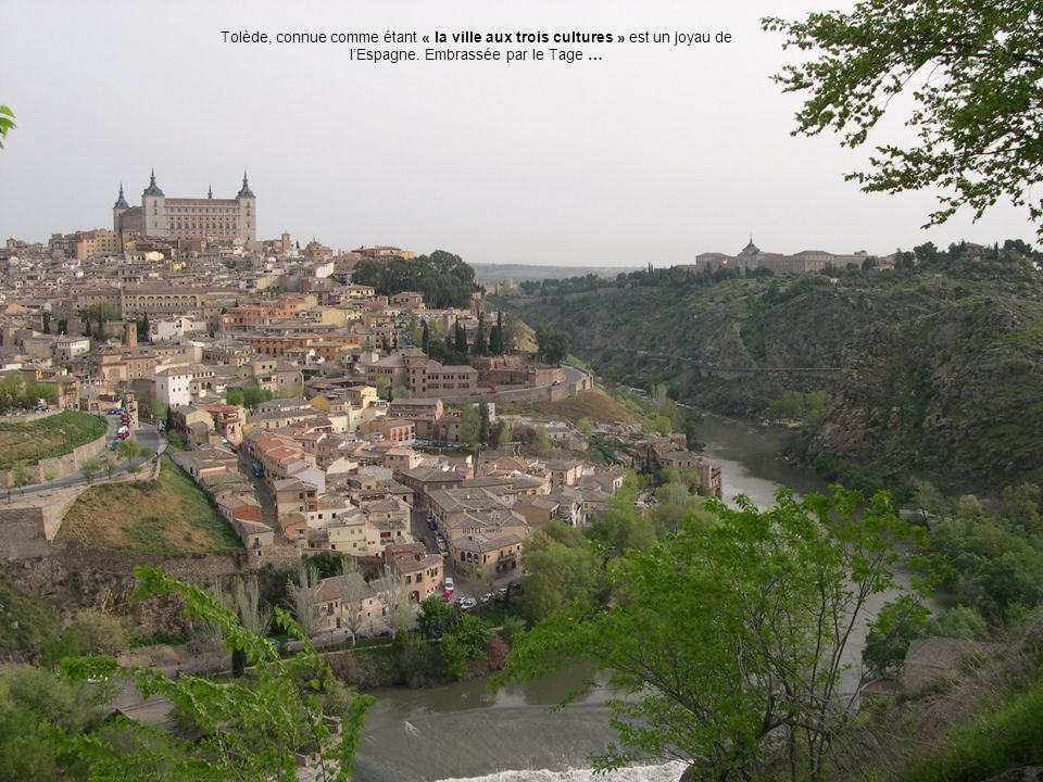 Tolède, connue comme étant « la ville aux trois cultures » est un joyau de lEspagne. Embrassée par le Tage …