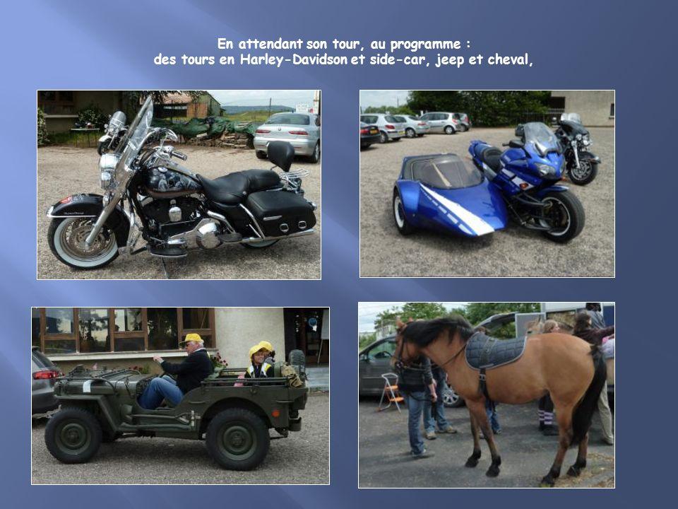 En attendant son tour, au programme : des tours en Harley-Davidson et side-car, jeep et cheval,