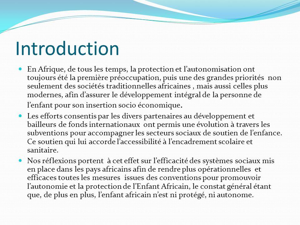 Etat des lieux en des droits de lenfant à léducation en Afrique: Avancées Taux de scolarisation de certains pays africains: Algérie: 87 % de scolarisation Burkina Faso: 45 % Bénin: 54 % Cameroun: 86,7 % denfants sont scolarisés, Côte dIvoire: 62 % Mali: 51 % Maroc: 86 % Sénégal: 40% du budget est alloué à léducation et 58% de scolarisation Togo: 78 % Tunisie: 97 % Source: http://www.statistiques-mondiales.com/scolarisation.htmhttp://www.statistiques-mondiales.com/scolarisation.htm
