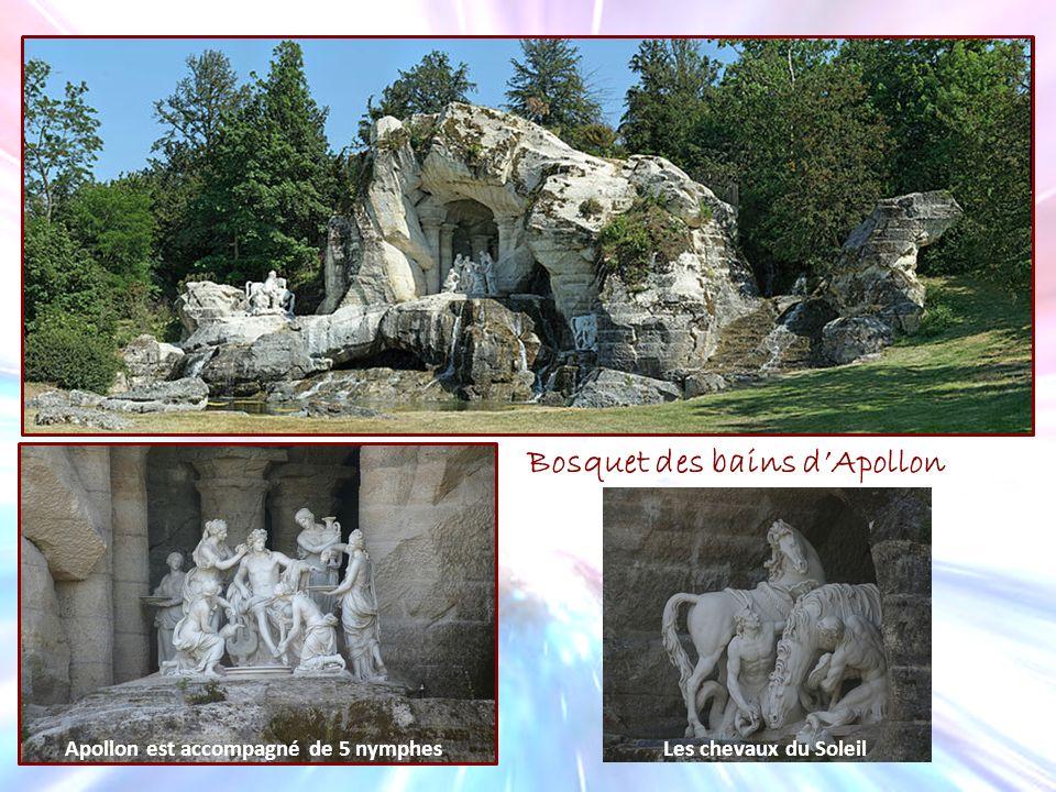 Bosquet des bains dApollon Apollon est accompagné de 5 nymphesLes chevaux du Soleil