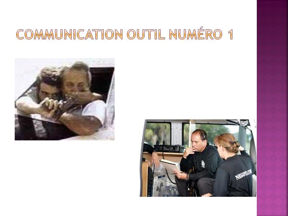 Il existe plusieurs formes de communication, mais dans le cours, nous mettons laccent sur la communication verbale et la communication non-verbale.
