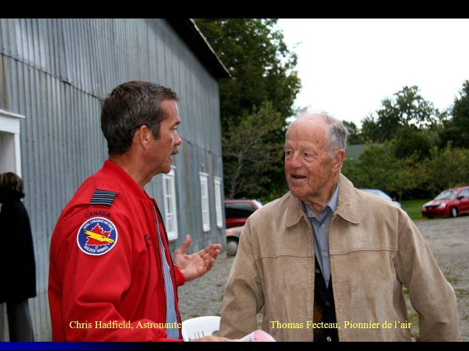 Chris Hadfield, Astronaute Thomas Fecteau, Pionnier de lair