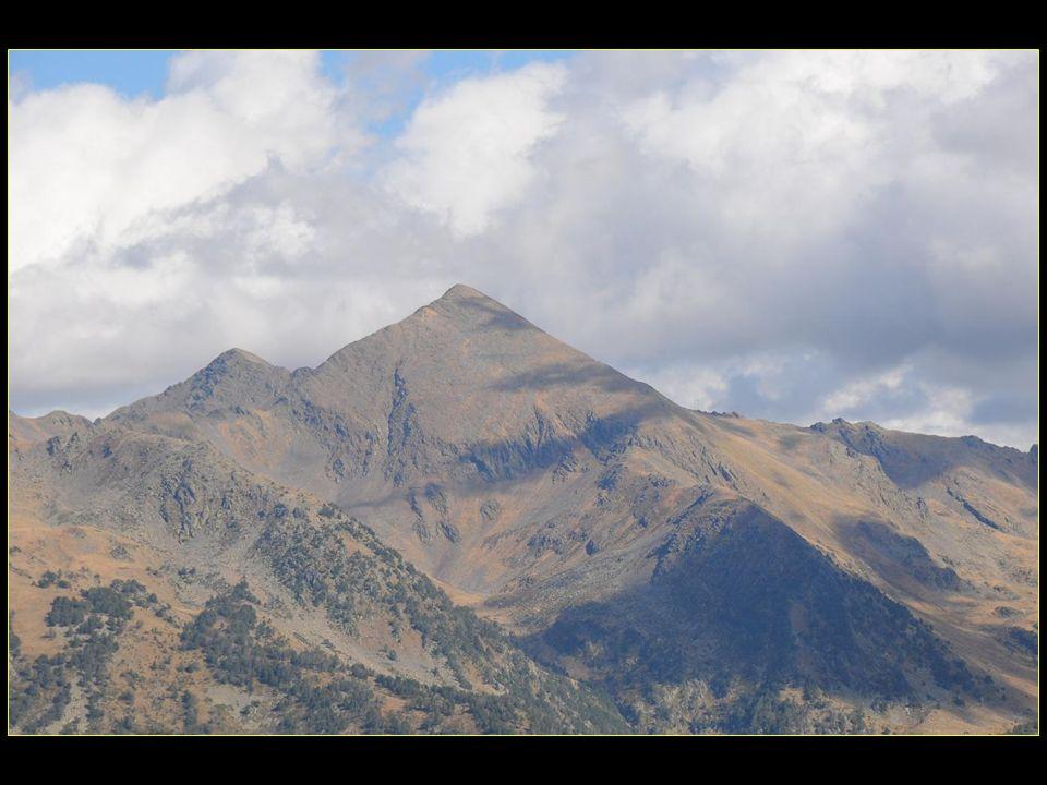 Arcalis altitude 1940 à 2620 mètres est une station à visage humain.