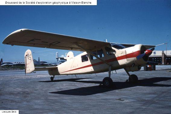 Prospection en Bell de Gyrafrique avec les topographes et les équipes sismiques (André Morel) A Tihigaline en Bell 47J Ranger