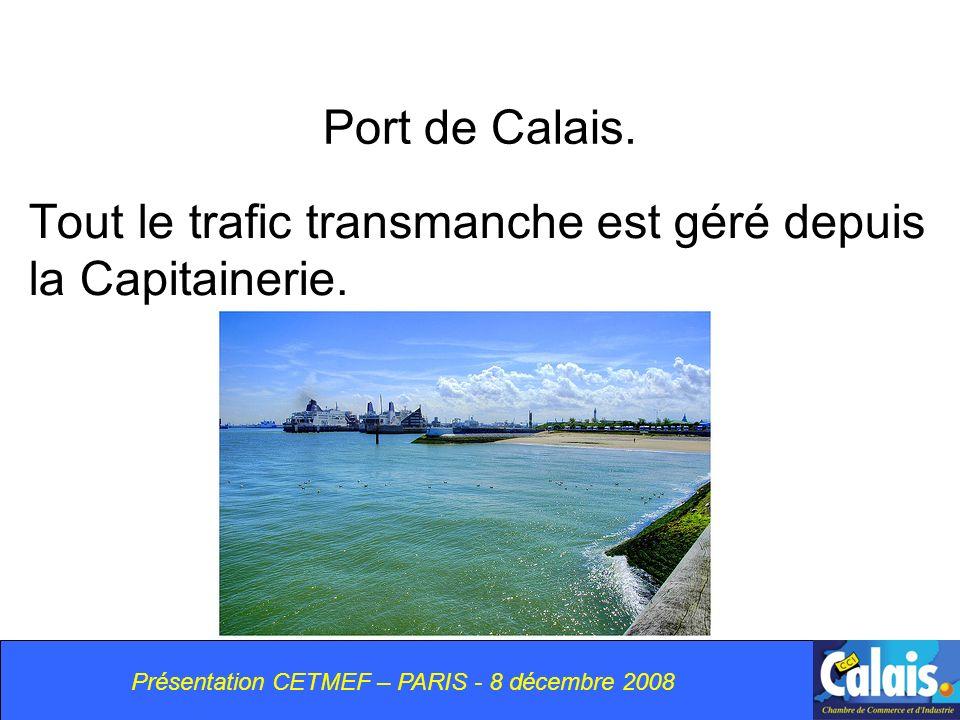 Port de Calais.Tout le trafic transmanche est géré depuis la Capitainerie.
