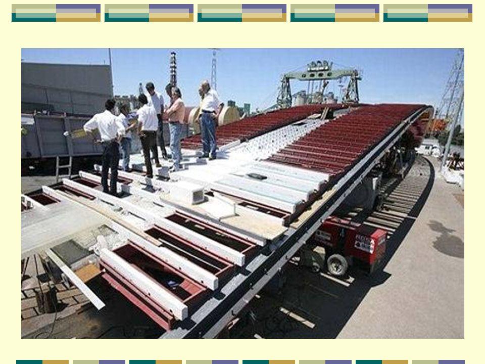 Assemblé sur la terre ferme La construction des morceaux de pont s'est déroulée sur la terre ferme, dans les ateliers de l'entreprise italienne Cignon