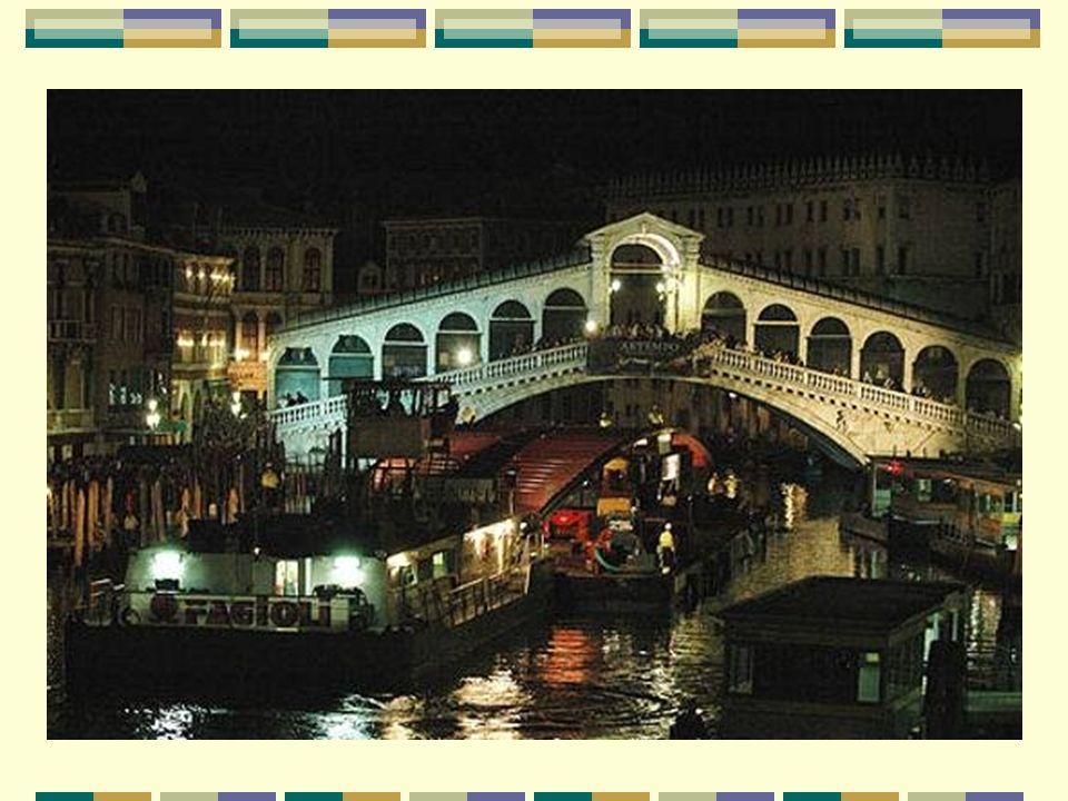Un quatrième pont pour Venise Le pont de la Constitution est le quatrième pont sur le Grand Canal de Venise, après le célèbre Rialto (sur la photo sui