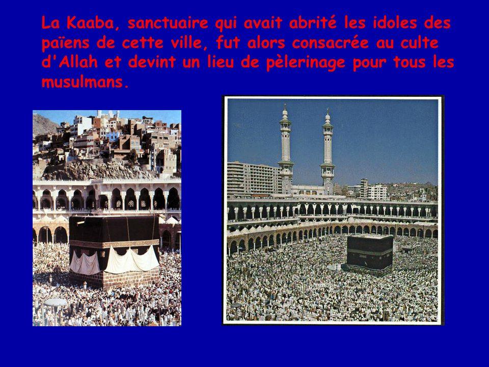 D après le Coran, Mahomet est le Sceau des prophètes, le dernier d une lignée de messagers de Dieu qui commence avec Adam et comprend Abraham, Noé, Moïse et Jésus.