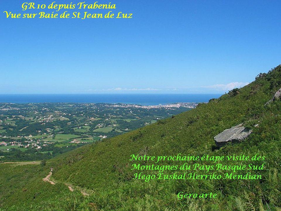 Crêtes frontière dIbardin depuis le Mandalé 573m(borne n°8) Vue sur Azkopé vallée Bidassoa et 3 Couronnes