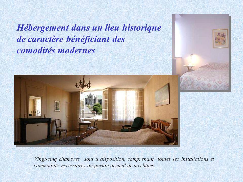 Hébergement dans un lieu historique de caractère bénéficiant des comodités modernes Vingt-cinq chambres sont à disposition, comprenant toutes les inst