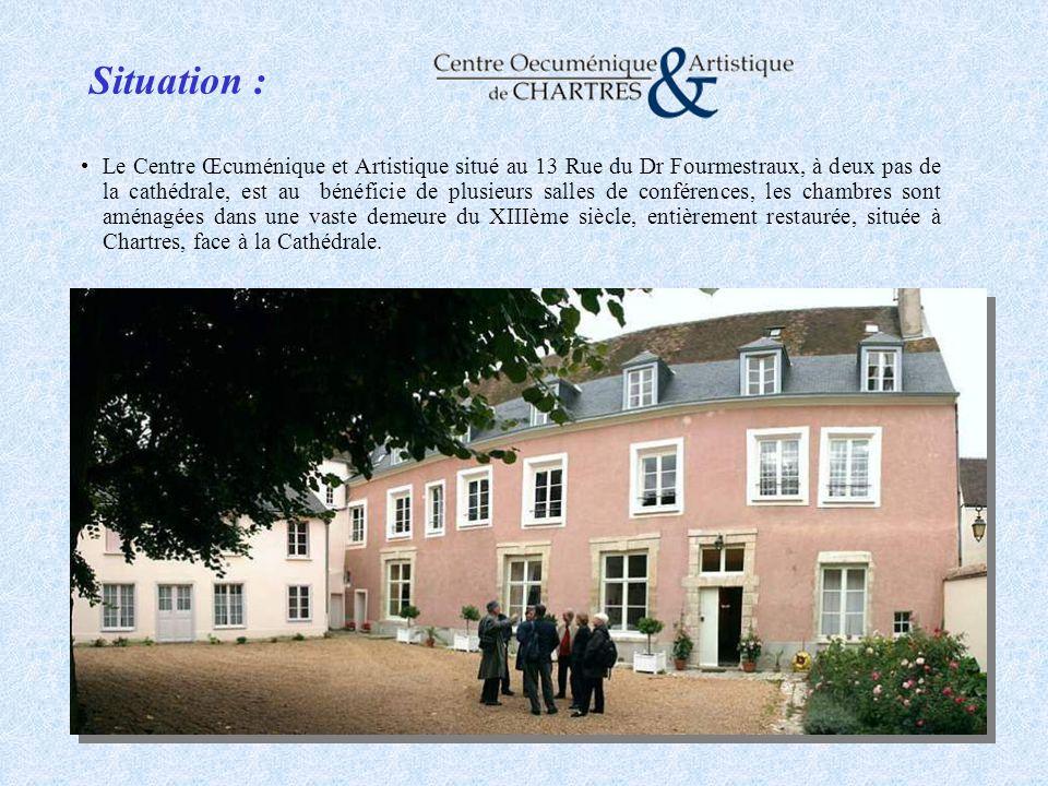 Situation : Le Centre Œcuménique et Artistique situé au 13 Rue du Dr Fourmestraux, à deux pas de la cathédrale, est au bénéficie de plusieurs salles d