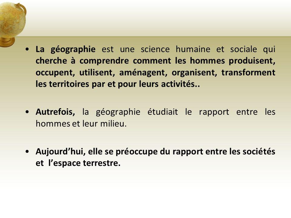 La Géographie et Noël Les territoires du père Nhttps://maps.google.com/maps/ms?msa=0&msid=2007561956726868737 59.0004ed4292385b480a555&ie=UTF8&t=p&ll=16.636192,- 7.03125&spn=173.977876,61.875&z=0&source=embedoël Des vidéos : http://education.francetv.fr/recherche/?srch_new=1&motc=si%20No%C3% ABl%20m%27%C3%A9tait%20cont%C3%A9Des vidéos Le sapin de Noël: http://education.francetv.fr/videos/si-noel-m-etait-conte-le-sapin-v110405 Le père Noël: http://education.francetv.fr/videos/si-noel-m-etait-conte-nbsp-le-pere- noel-v110400