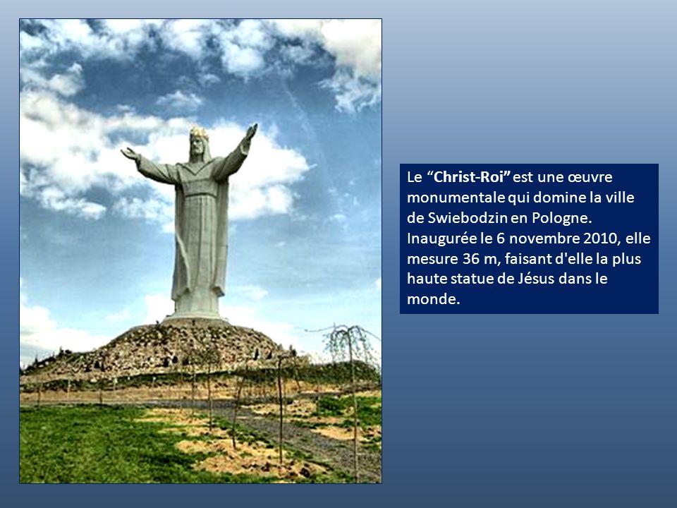 El Cristo de la Concordia est le Christ rédempteur qui culmine à 265 m au-dessus de la ville de Cochabamba en Bolivie. Cest le plus haut du continent,
