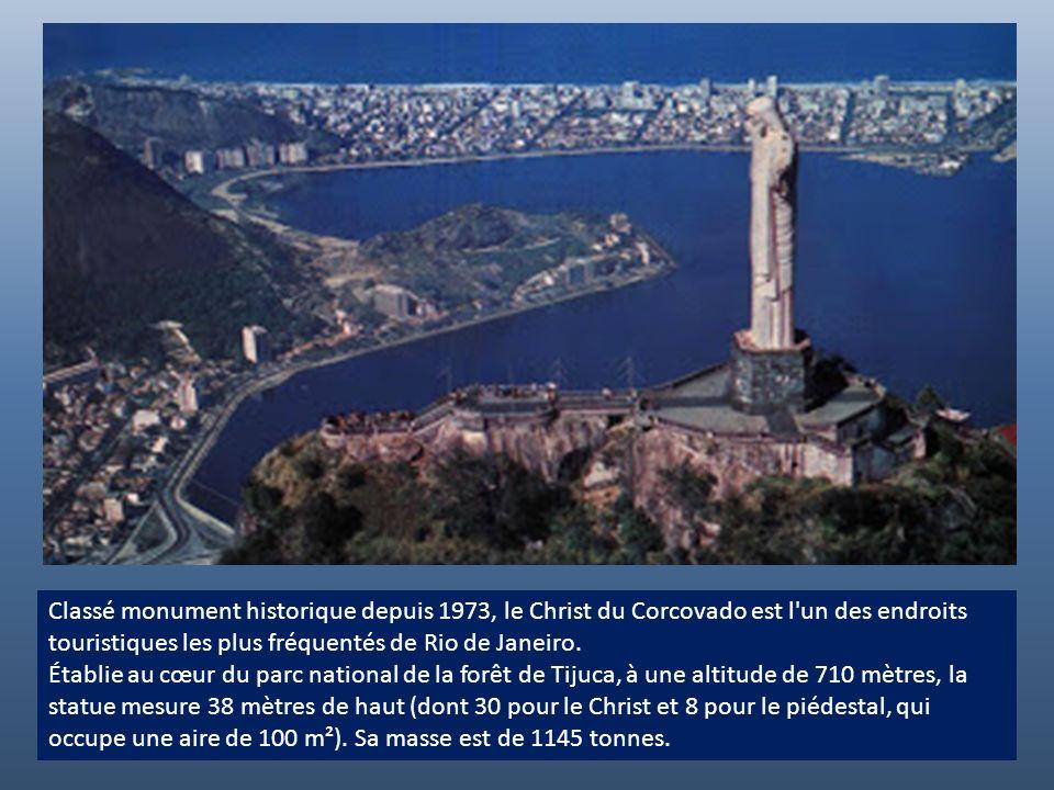 Le Christ Rédempteur est le nom donné à la grande statue du Christ dominant la ville de Rio de Janeiro, du haut du mont du Corcovado où elle se situe.