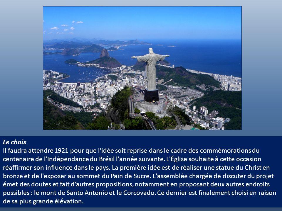 Un premier projet L'idée de construire un monument religieux au sommet du Corcovado est suggérée une première fois en 1859 par le père lazariste Pedro