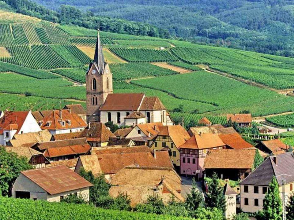 L'Alsace (s Elsàss en alsacien) est une région culturelle, linguistique, historique, et administrative de lest de la France métropolitaine. C'est une